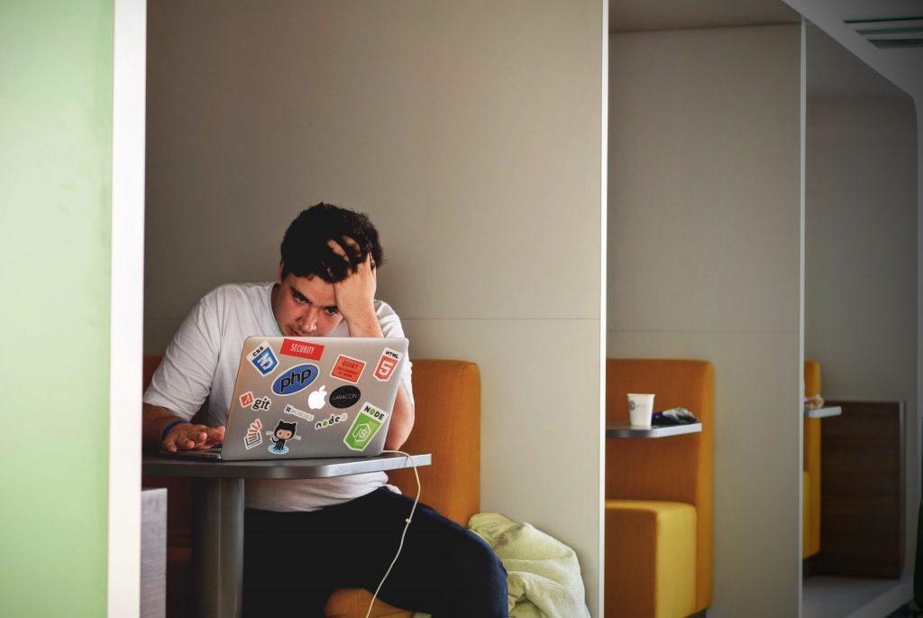 Gestire le email è stressante